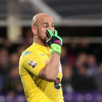 NAPOLI, From Italy: Reina offered himself to Barça