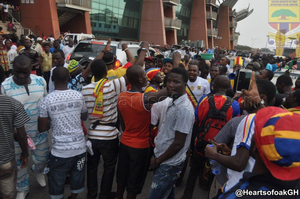VIDEO: Fans queuing to buy tickets at Accra Stadium five hours to kick-off