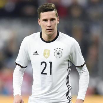 ARSENAL and MAN UNITED in the race for WOLFSBURG's DRAXLER
