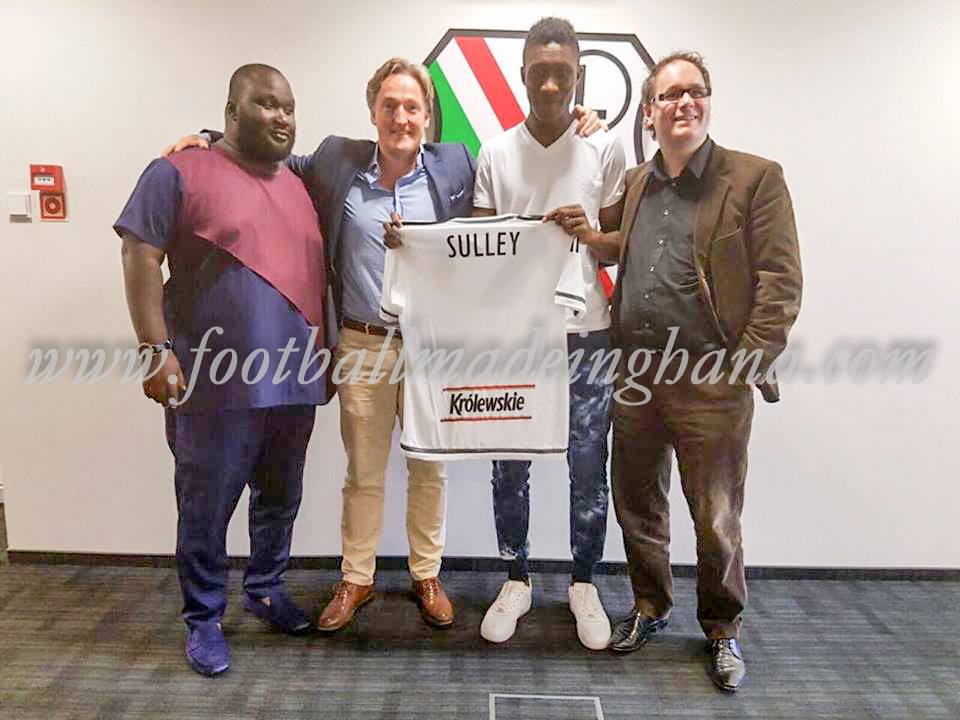 Vision FC striker Sulley Saddam signs for four years with Legia Warsaw