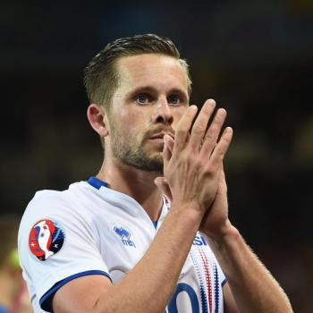 SWANSEA to offer Sigurdsson new contract