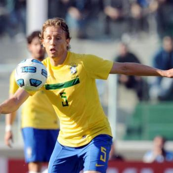 GALATASARAY trying to sign Lucas Leiva
