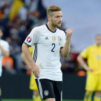 ARSENAL - Duel to Italian giants on MUSTAFI