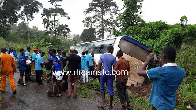 Berekum Chelsea team bus veer off into a ditch (picture Dreams FC media).