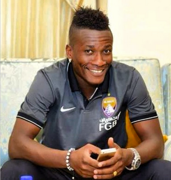 Asamoah Gyan arrives in England to finalize loan move to unnamed club