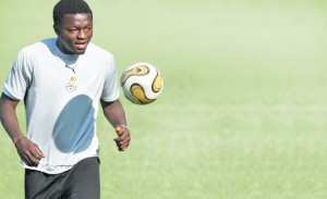 Italian outfit Cagliari to hold talks with free-agent Sulley Muntari next week over a possible switch