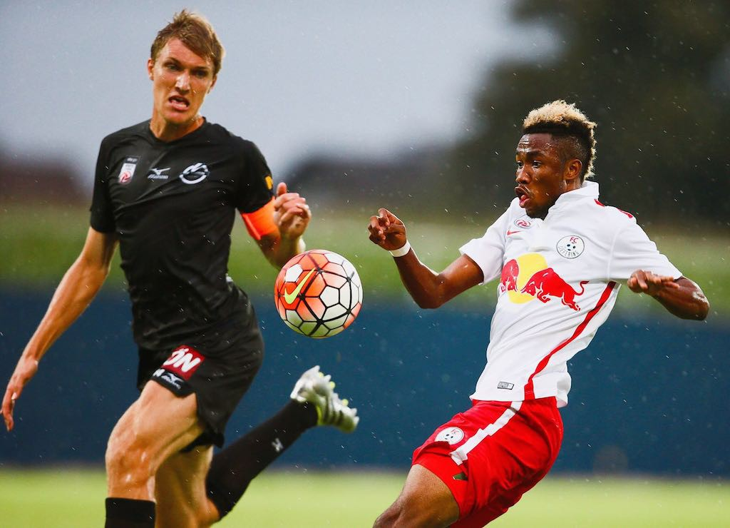 Samuel Tetteh in action for FC Liefering in a league match.