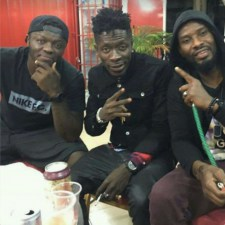 Ghana star Sulley Muntari hangs out with music icon Shatta Wale