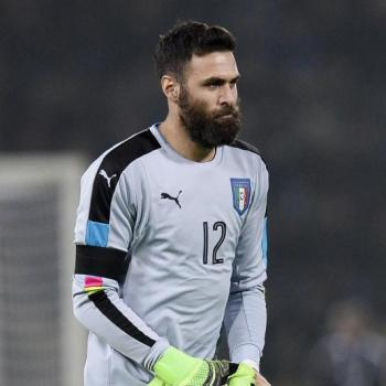 EVERTON and HULL CITY set to bid for PSG third-choice Sirigu