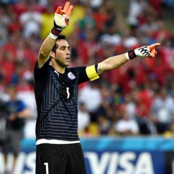BREAKING NEWS - OFFICIAL: MAN CITY sign CLAUDIO BRAVO from BARCELONA
