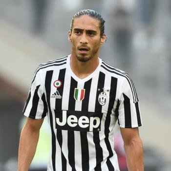 INTER and MILAN keen on free agent Caceres