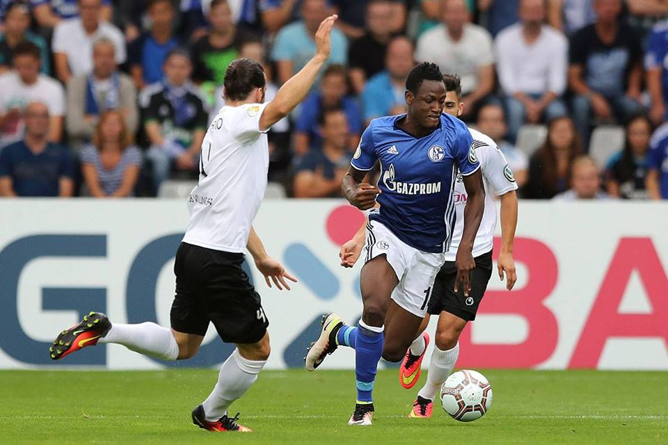 On-loan Schalke defender Baba Rahman plays first Bundesliga match