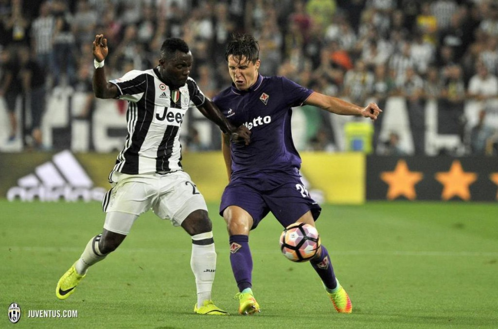 Kwadwo Asamoah in action for Juventus in their 2-1 win over Fiorentina.