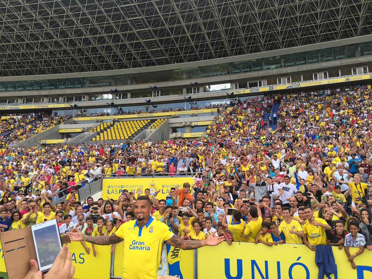 VIDEO: Kevin-Prince Boateng draws massive crowd during Las Palmas presentation
