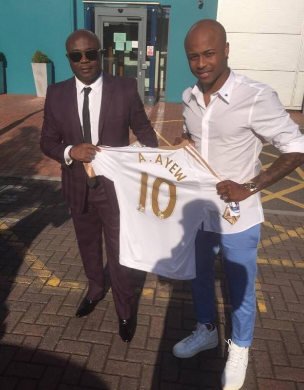 Andre Ayew rubbishes dad Abedi Pele's death reports