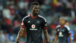 VIDEO: Watch the alleged bust-up involving Ghana defender Edwin Gyimah and Orlando Pirates coach Ertugal