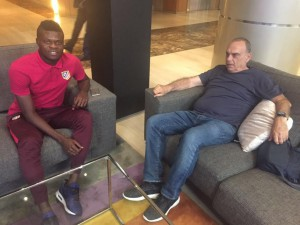Ghana coach Avram Grant visits Atletico Madrid midfielder Thomas Partey ahead of Uganda qualifier