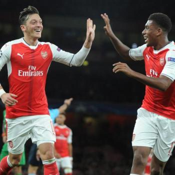 ARSENAL - Wenger wants to see Ozil and Sanchez to commit their futures to gunners