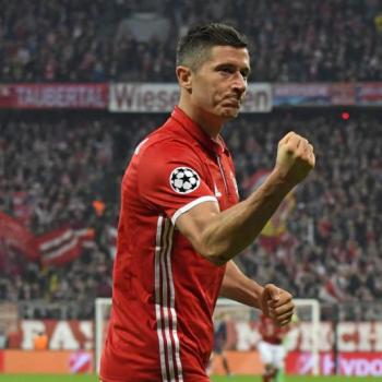 BAYERN MUNICH - Lewandowski's agent cools talk of new contract