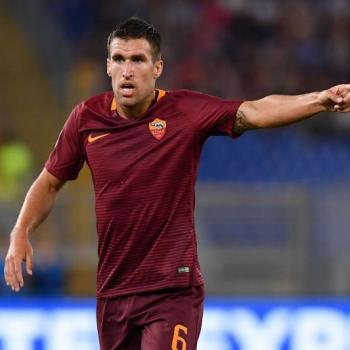 EVERTON linked with a move for AS ROMA midfielder Strootman