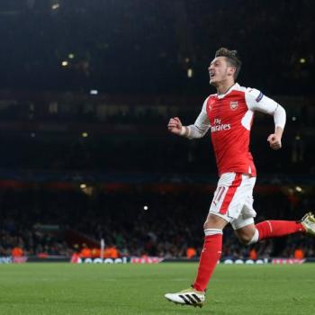 ARSENAL - Wenger congratulates Ozil on non-existent Ballon d'Or nomination