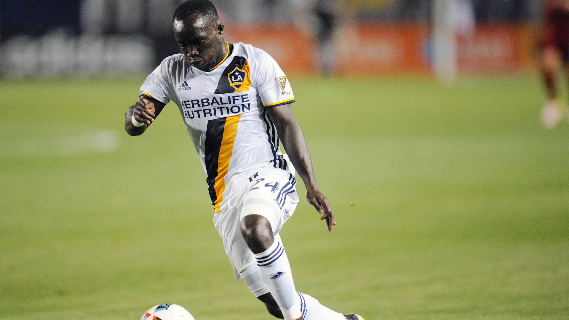 Ema Boateng's double sends LA Galaxy to MLS Western Conference semi-finals
