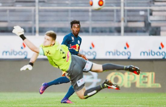 Samuel Tetteh in action for FC Liefering.