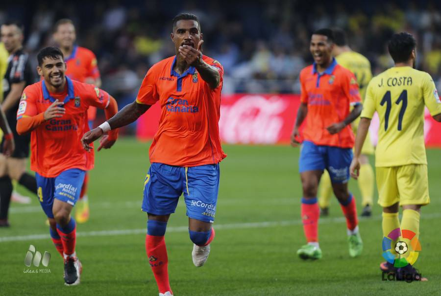 Video: Kevin-Prince Boateng scores sensational acrobatic finish for Las Palmas in Spanish top-flight