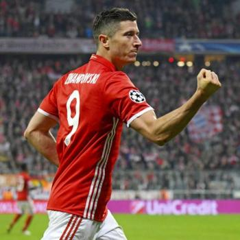 BAYERN MUNICH - New opulent contract ready for LEWANDOWSKI