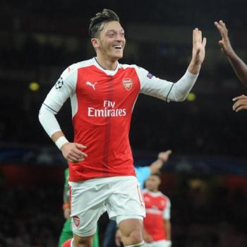 ARSENAL - OZIL&SANCHEZ want to earn as much as United star POGBA