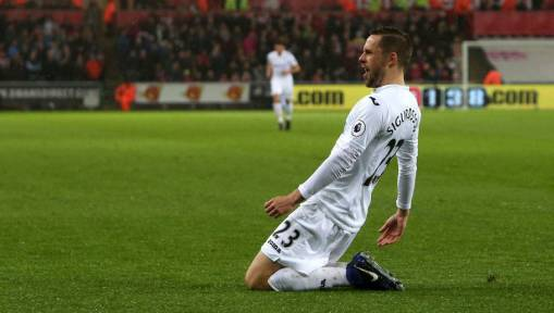 Swansea 3-0 Sunderland: Llorente Double Helps Swans Clamber Out of Relegation Zone