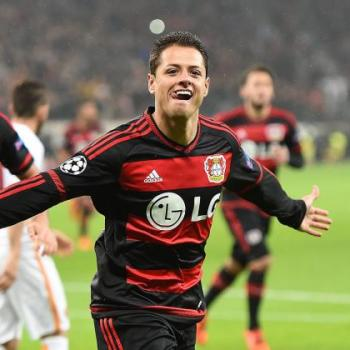 LIVERPOOL & TOTTENHAM challenging Valencia on Chicharito HERNANDEZ