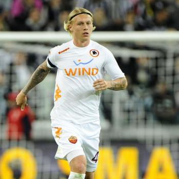 CHELSEA trying to hijack KJAER from INTER MILAN