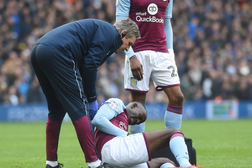 Aston Villa boss Steve Bruce laments decision not to award Albert Adomah a penalty