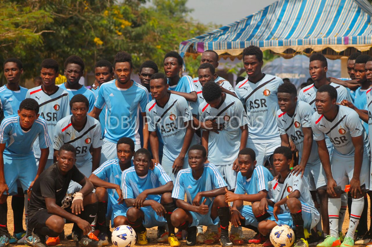VIDEO: Black Stars striker Samuel Tetteh donates to boyhood club Trax Soccer Academy