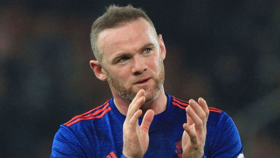 Wayne Rooney Breaks Manchester United Goalscoring Record & Celebrity Twitter Can't Get Enough of it
