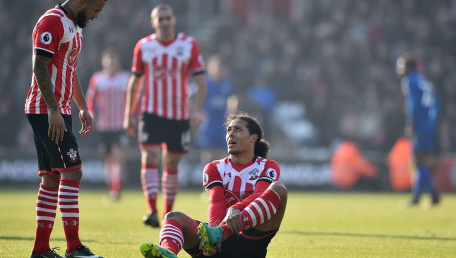 Virgil van Dijk Limps Off in Southampton's Premier League Clash With Leicester City