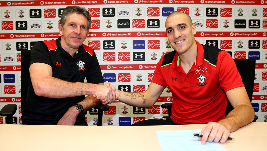 Southampton Midfielder Oriol Romeu Signs New Deal Keeping Him With the Club Until 2021