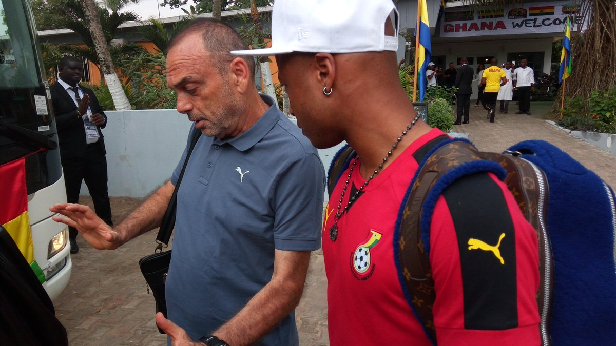 Ghana coach Avram Grant ditches magic blue shirt; to wear Ash shirt against Uganda