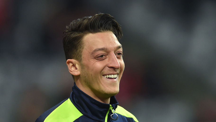 Mesut Ozil Enjoys Arsenal Break by Going to Dinner With Former Miss Turkey