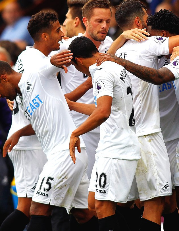 ​Clement tells Swansea players to battle their way out of the drop zone