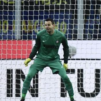MANCHESTER CITY challenging Liverpool on Inter Milan star goalie HANDANOVIC