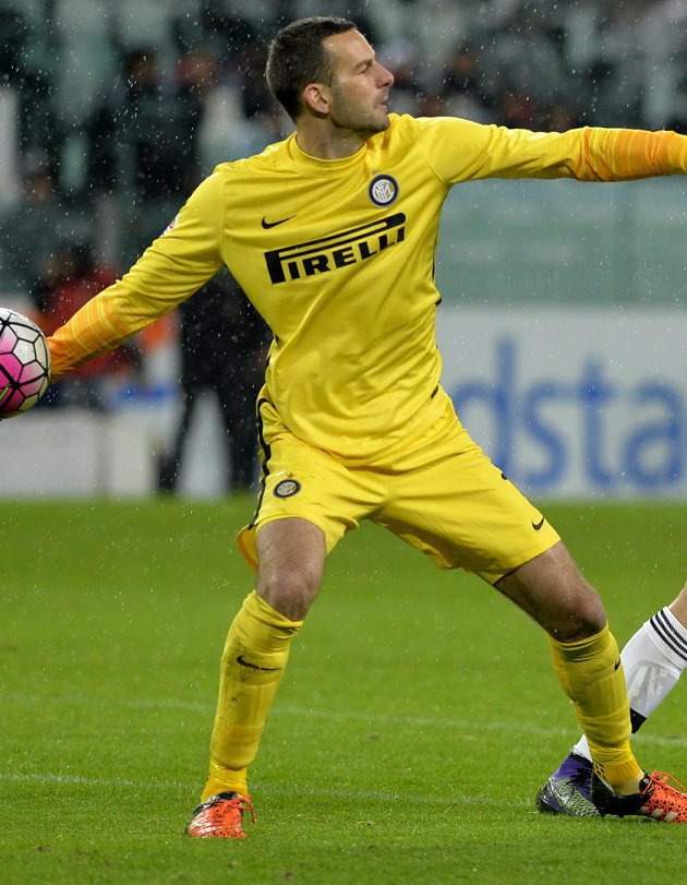 Inter Milan keeper Samir Handanovic calm over Liverpool, Chelsea, Man City talk