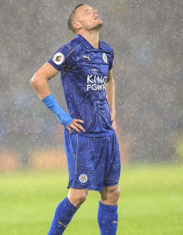 Leicester striker Vardy denies role in Ranieri sacking