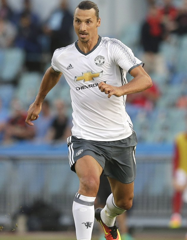 Man Utd push to sign Ibrahimovic Jr