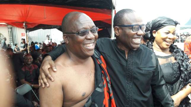GHALCA boss Kudjoe Fianoo and Ghana FA chief Nyantakyi smoke peace pipe at EK Afranie's funeral