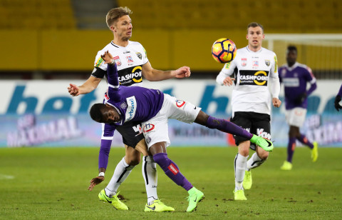 Former AshantiGold defender Kadri Mohammed makes Austria Wien full debut in defeat