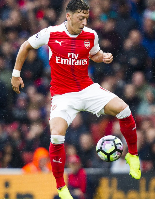​Wenger reveals contract talks for Arsenal's Sanchez and Ozil on hold