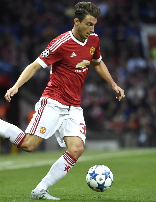 Roma ready to offer Darmian pathway out of Man Utd