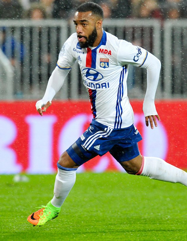 Agent admits big club interest for Arsenal, Liverpool target Lacazette